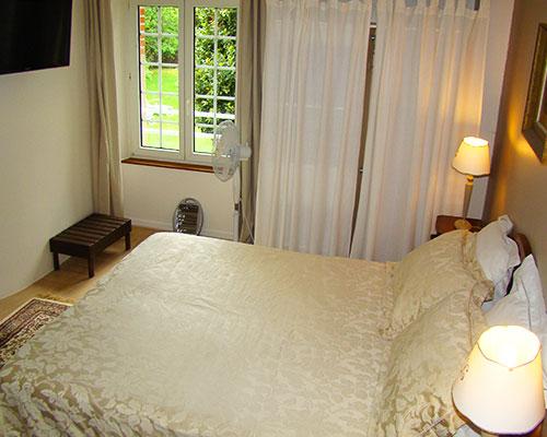 Chambre-Baccara-couv-Longere-La-Longere-du-Plessis-Maison-Hote-Gite-Nantes